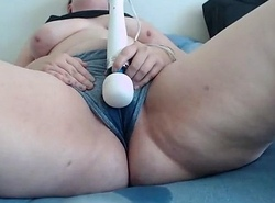 bbw from DesireBBWs.com squirts in clothing