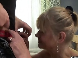 Old sacky lady anal fucked in her loose asshole